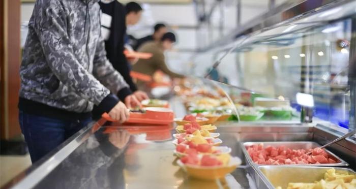 智慧饭堂让用餐更方便舒适.jpg