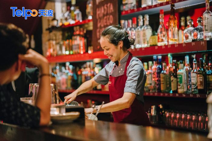 餐厅饮料店跟顾客互动.png