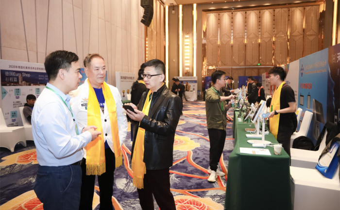 pos机行业年会,天波与众多行业大咖伙伴交流.png